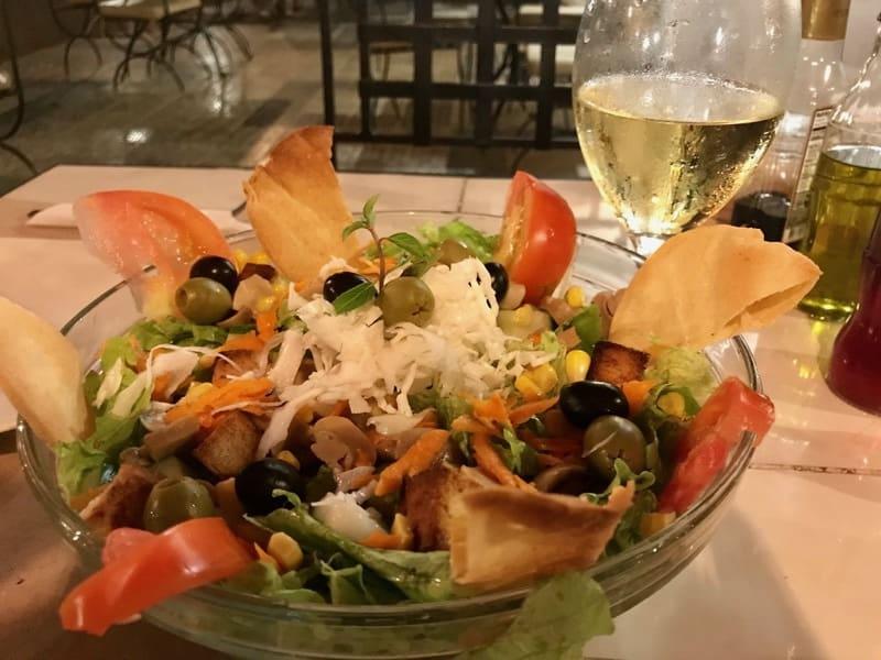 salad at Cafe d la Esquina